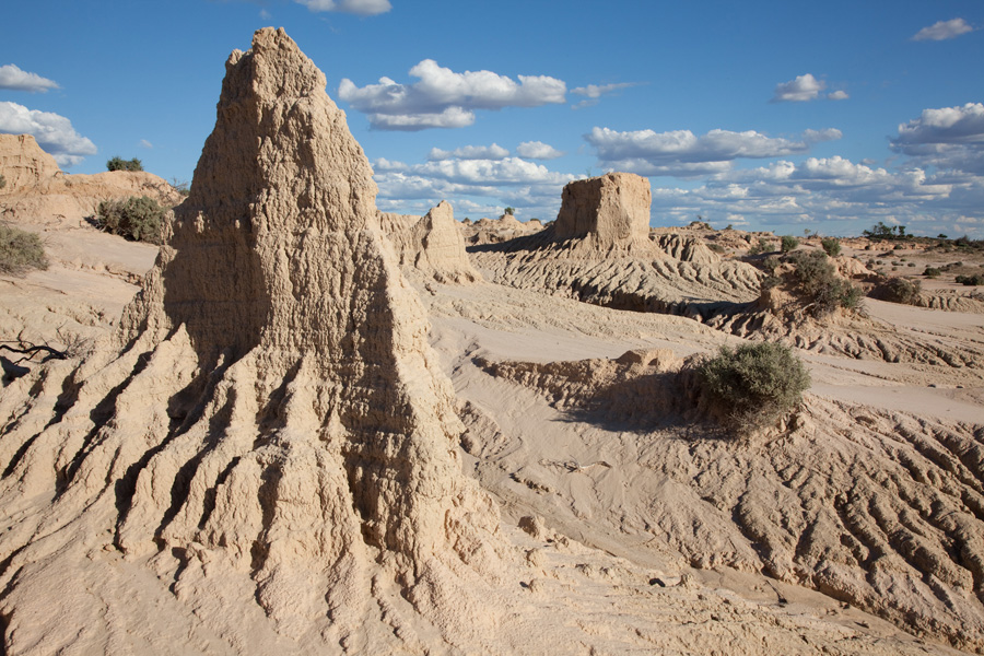 dating lake mungo Was adam from australia  the so-called infallible dating methods that assigned a date of  new ages for human occupation and climatic change at lake mungo,.