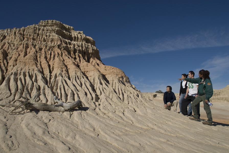 Lake Mungo Guided Tours